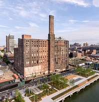 Парк у Domino Sugar Factory, Нью-Йорк